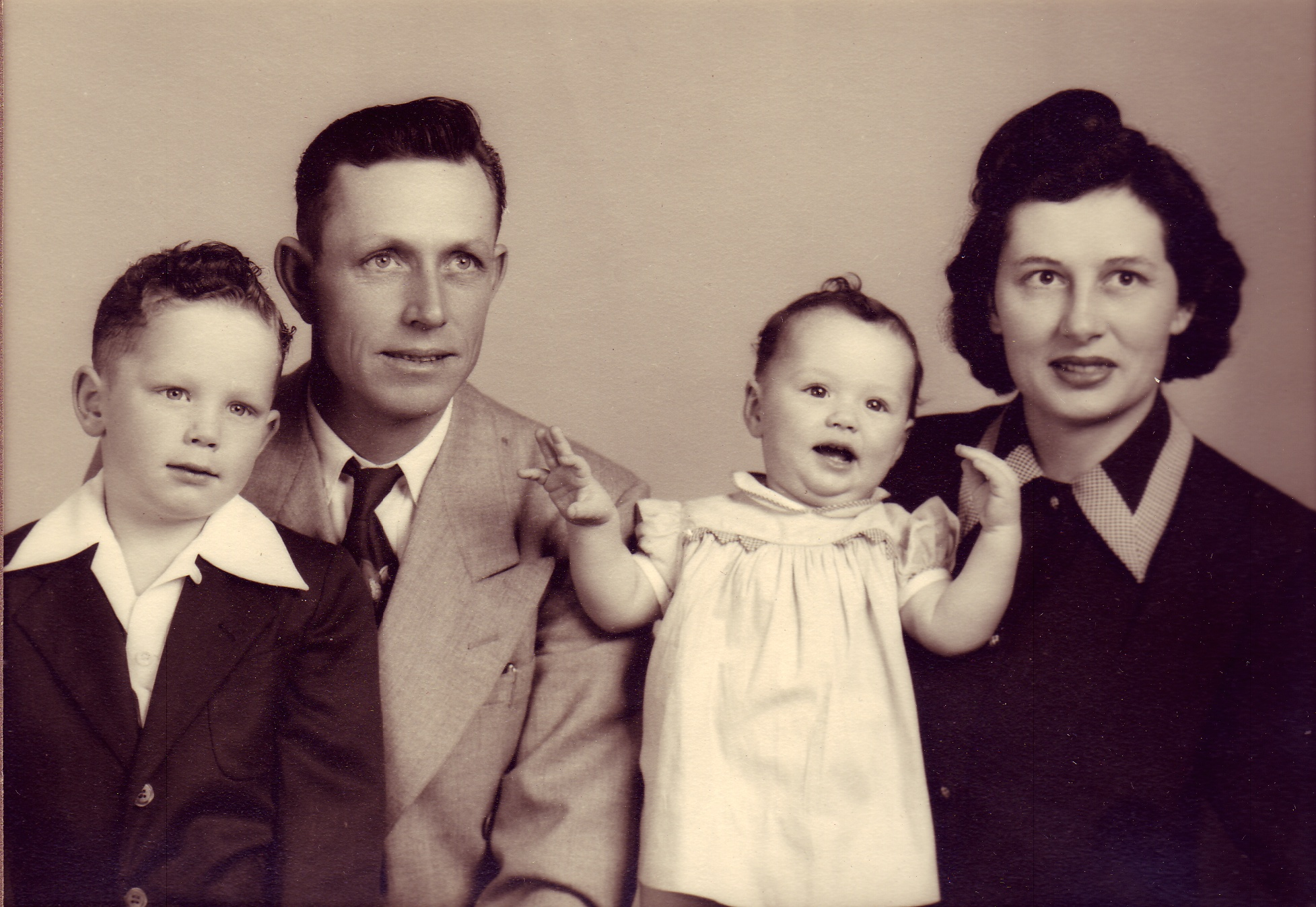 harold and grace crouch with children martin and kathleen